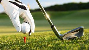 sand wedge golfing